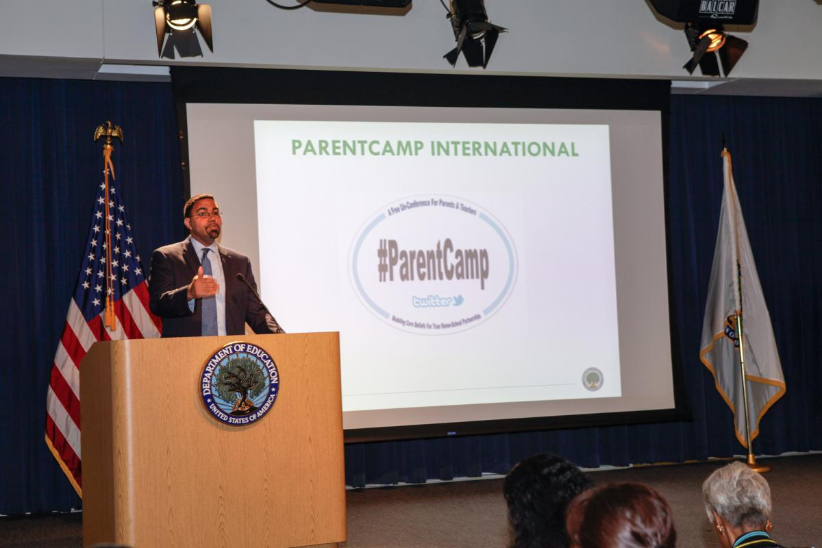 Photo of Secretary John King  at the ParrentCampl